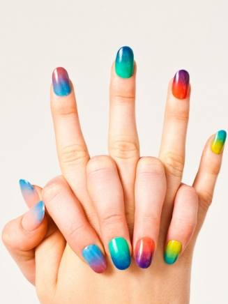 american_apparel_sheer_summer_nails