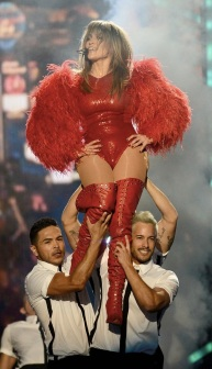 jennifer-lopez-billboard-music-awards-2013-performance-video-01