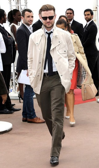 2013 - Looking very cool in his casual shirt & tie attire in Cannes