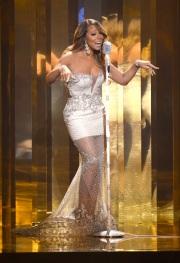 384614-mariah-carey-performs-at-the-2013-bet-awards-in-los-angeles-california