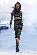 item1.rendition.slideshowVertical.Rihanna-River-Island-56
