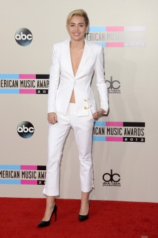 2013 AMAs - wearing Versus Versace & Saint Laurent