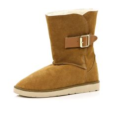 Light Brown Faux Fur Lined Boots http://tinyurl.com/ors7kes