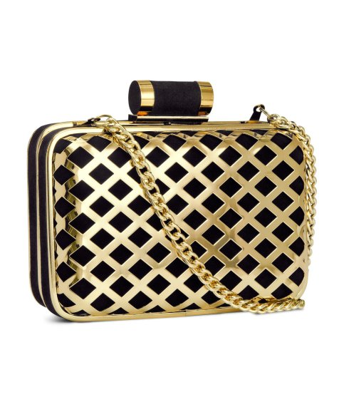 H&M €18 - Criss Cross and Chain Clutch http://tinyurl.com/nswqxep