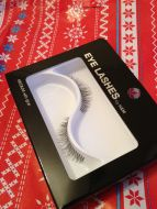 H&M - False Eye Lashes in Medium