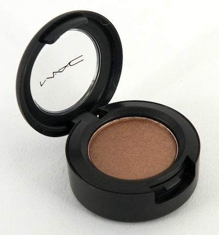 MAC 'Veluxe Pearl' Eye Shadow in Woodwinked