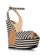Forever 21 €31.90 - Nautical Wedge Sandals http://tinyurl.com/nuksere