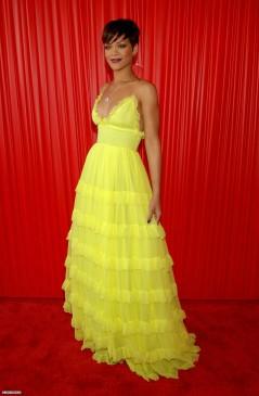 2008 BET Awards - wearing Giambattista Valli