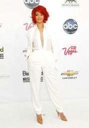 2011 Billboard Awards - wearing Max Azria