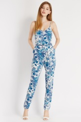 Oasis €85 - Oriental Aviary Jumpsuit http://www.oasis-stores.com/oriental-aviary-jumpsuit/playsuits-&-jumpsuits/oasis/fcp-product/4480002259