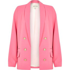 River Island €75 - Relaxed Fit Blazer http://eu.riverisland.com/women/coats--jackets/blazers/Pink-relaxed-fit-blazer-653100