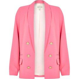 River Island €75 - Relaxed Fit Blazer http://eu.riverisland.com/women/coats--jackets/blazers/Pink-relaxed-fit-blazer-653100