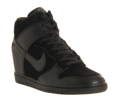 Nike €103.57 - Dunk Sky Hi http://www.office.co.uk/view/product/office_catalog/5,20/2017101339