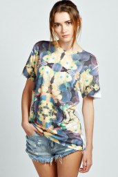 Boohoo €16 - Penny Mirrored Sloral Sublimation Tee http://www.boohoo.com/europe/clothing/tops/icat/separates-promo/penny-mirrored-sloral-sublimation-tee/invt/azz32079