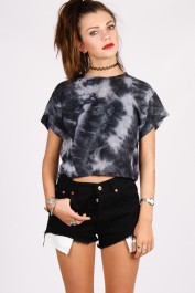 Yayer €21.75 - Shapeshifter Crop http://yayer.com/collections/new-tops/products/shapeshifter-crop