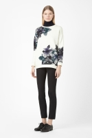 Printed Sweatshirt €69 - http://www.cosstores.com/ie/Shop/Women/Tops/Printed_sweatshirt/46885-14349210.1#c-24479