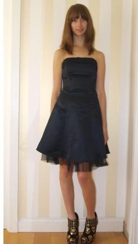 Evita Black Bodice Lace Dress €20 - http://thehubmarketplace.com/womens/womens-dresses?product_id=349