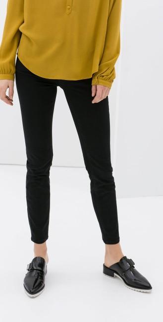 Zara €39.95 - Skinny Jeans http://www.zara.com/ie/en/woman/jeans/skinny-jeans-c361514p1668265.html