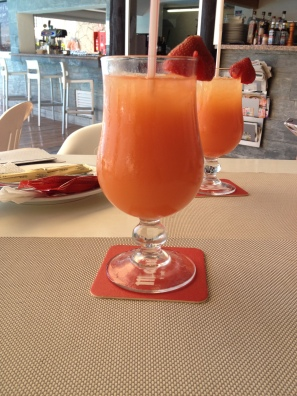 Pool Bar Olivos - Mai Tai cocktails