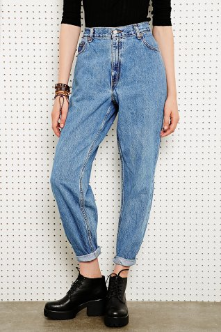Vintage Renewal Levi's €45 - 550 Jeans in Light Wash Blue Denim http://bit.ly/1kVveAJ