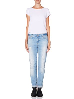 Noisy May @ Vero Moda €59.95 - Kim Loose Fit Jeans http://bit.ly/ZXMotJ