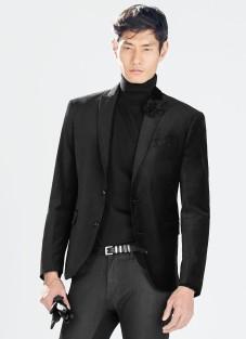 Zara €119 - Velvet Blazer http://bit.ly/1v8w1rl
