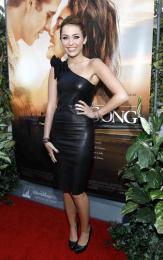 2010 The Last Song LA Premiere – wearing Thomas Wylde
