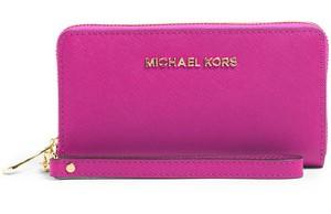 Michael Michael Kors €95 - Jet Set Multifunction Phone Case http://bit.ly/11eD30K