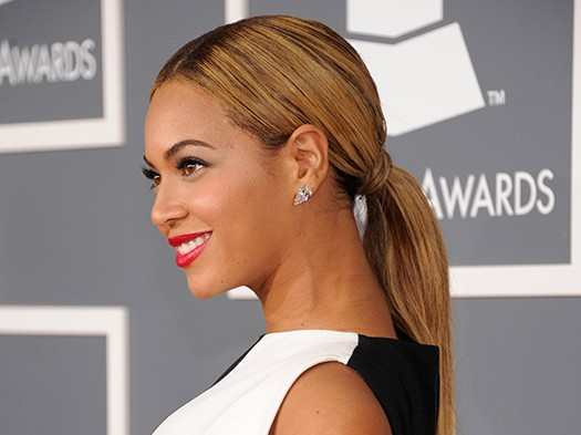 Beyonce grammys slick wet look hair red lipstick