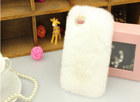 Glitz N Pieces €18.50 - Furry Cover for iPhone 5/5S
