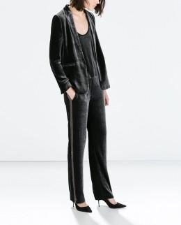 Zara €59.95 - Flowy velvet trousers http://bit.ly/1sm9sPE €89.95 - Velvet Blazer http://bit.ly/1BVKfvb