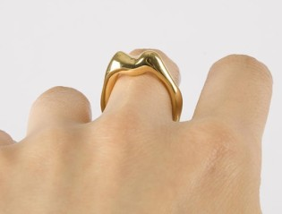 Boticca €102 - Gold Plated Lips Ring http://bit.ly/1zRvHjK