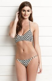 Billabong €66 - Nine Mile Cost Bikini Top http://bit.ly/1BHGdIf