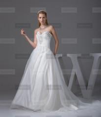 Fanny Crown €389 - Elegant Sweetheart Long Ivory Wedding Dress http://bit.ly/1FBFoDL