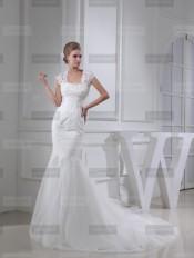 Fanny Crown €439 - Splendid Square Long Ivory Wedding Dress http://bit.ly/1FE2cSR