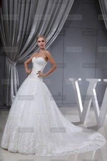 Fanny Crown €439 - Sublime Sweetheart Long Ivory Wedding Dress http://bit.ly/1EwnkJk