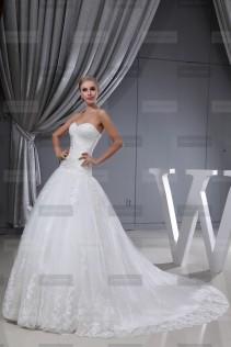 Fanny Crown €439 - Sublime Sweetheart Long Ivory Wedding Dress http://bit.ly/1EwnkJk