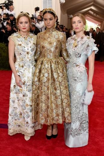 Brie Larson, Courtney Eaton & Annabelle Wallis