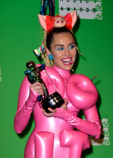 Miley Cyrus MTV VMAs 2015