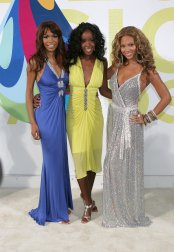 2005 MTV VMAs - with Michelle & Kelly