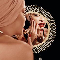 Christian Louboutin €80 - Rouge Velvet Matte Lipstick http://en.pickture.com/pick/2394151