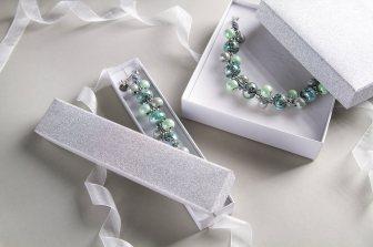 By Dziubeka €20.70 - Pistachio Bracelet with Emerald and Mint Ceramics
