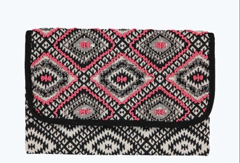 Boohoo €19 - Boutique Aztec Beaded Clutch Bag http://www.boohoo.com/bags/boutique-aztec-beaded-clutch-bag/invt/dzz99736