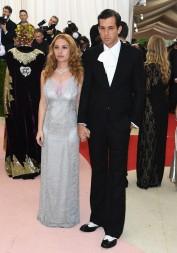 Josephine de la Baume & Mark Ronson