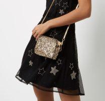 River Island, €25 - Gold Glitter Mini Chain Bag http://eu.riverisland.com/women/bags--purses/clutch-bags/gold-glitter-mini-chain-bag-685735