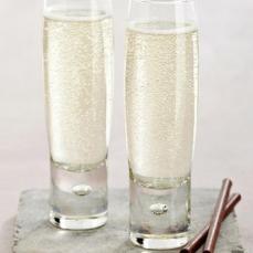 Designist €20 - Bubble Champagne Flutes Set of 6 https://shop.designist.ie/products/bubble-champagne-flutes-set-of-6
