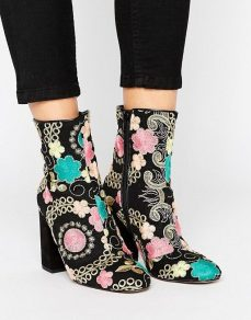 River Island €80 - Embroidered Floral Jacquard Heeled Boots http://bit.ly/2lzcDl6