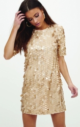 Gold Sequin T Shirt Dress, PrettyLittleThing, €50 http://bit.ly/2hmFU1Y
