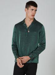 Topman Green Glitter Shirt, €44 http://bit.ly/2zgTyPD
