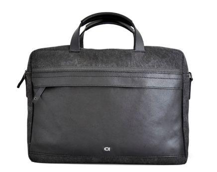 Daag Leather Shoulder Bag Clou Next No.4, Leather Boutique, €68 http://bit.ly/2jw5k1V